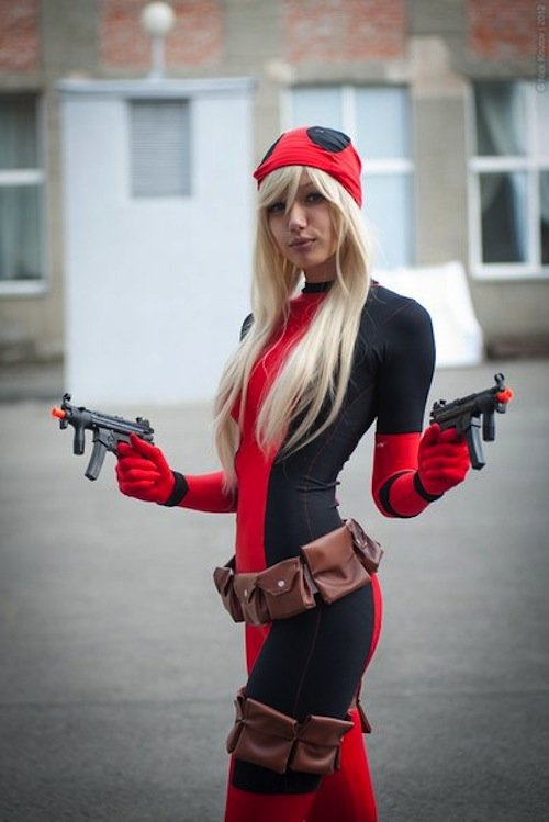 lady_deadpool_001