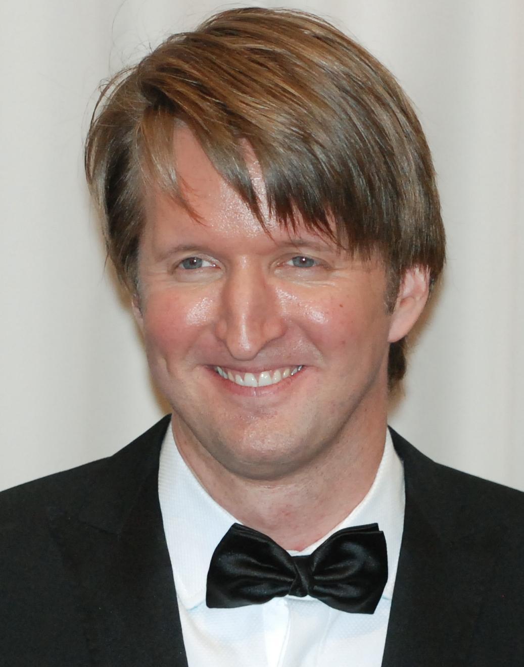 Tom_Hooper_2011_(cropped)