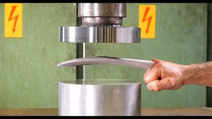 geekstra_logan hydraulic press